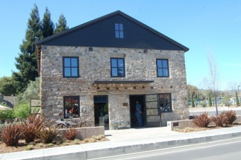 Mai Sonry Wine Tasting Room A Must See In Yountville