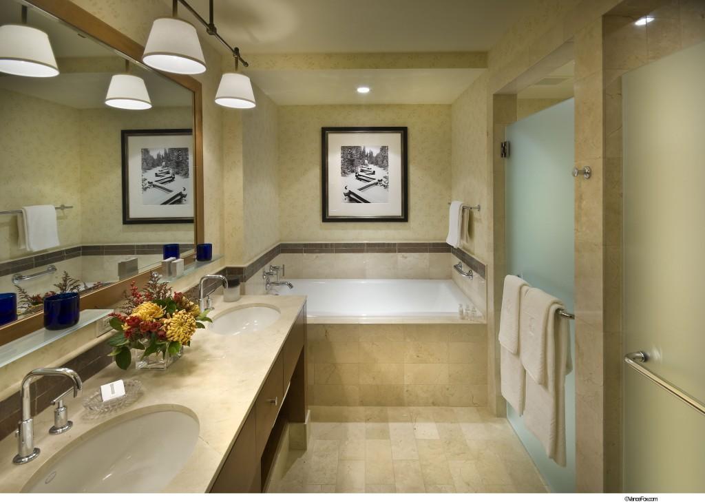 Ritz-Carlton, Lake Tahoe Bathroom