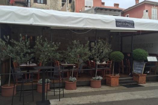 Pet Bunara Restaurant Zadar Croatia A Must Try For Amazing Food