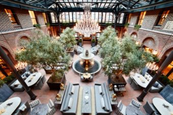 3 Arts Club Cafe In Restoration Hardware Chicago