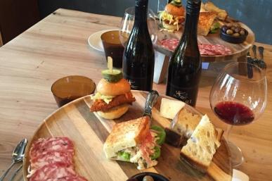 The Top 10 Tasting Rooms & Bars in Healdsburg