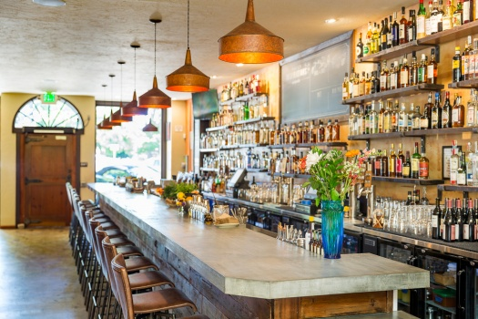 The Best Healdsburg Bars & Cocktail Destinations You Must Experience