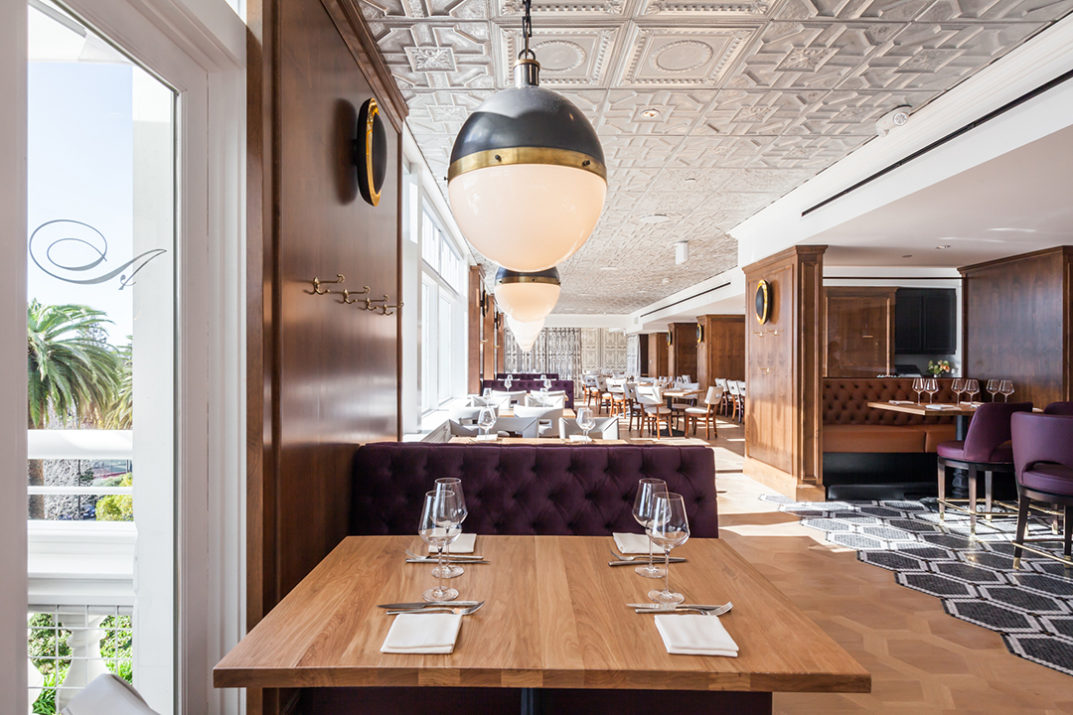 Claremont Hotel S Limewood Bar Grill
