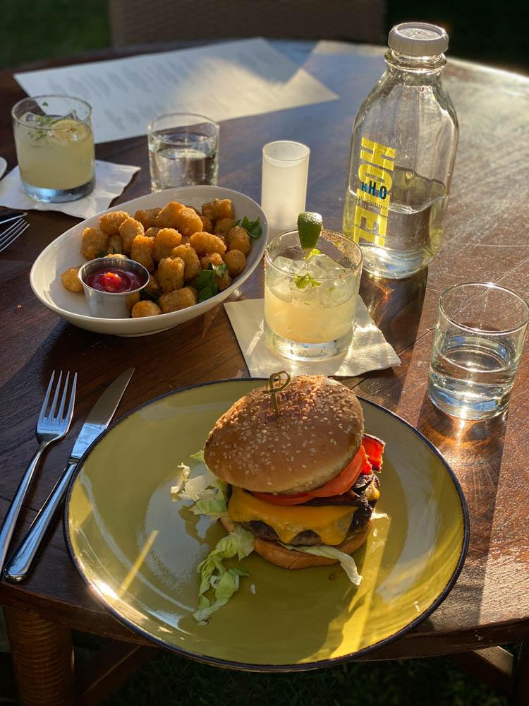 Spirit Bar Dry Creek Kitchen Burger