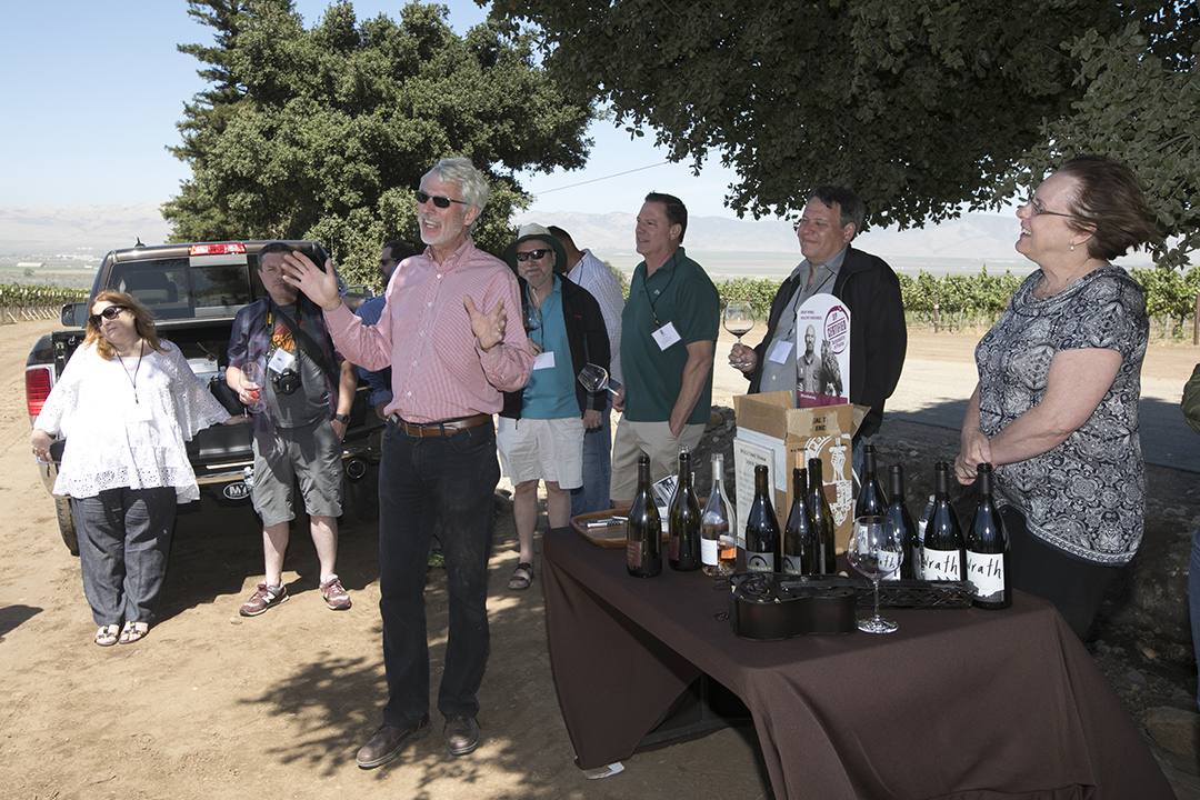 Santa Lucia Highlands Wineries