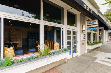 The Siduri Wine Bar & Tasting Lounge A Healdsburg Must Try
