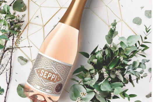 Valentine's Day Gift Guide for the Wine & Beauty Lover