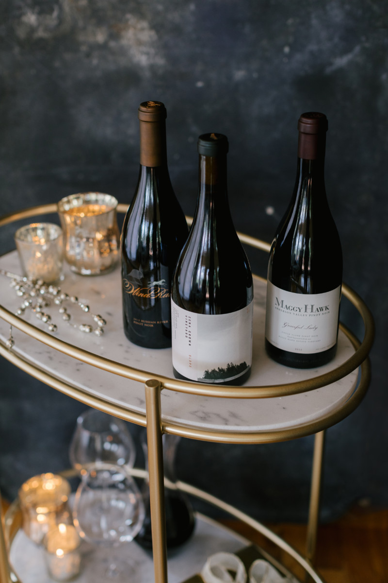 Pinot Noir Spire Collection Gift Set