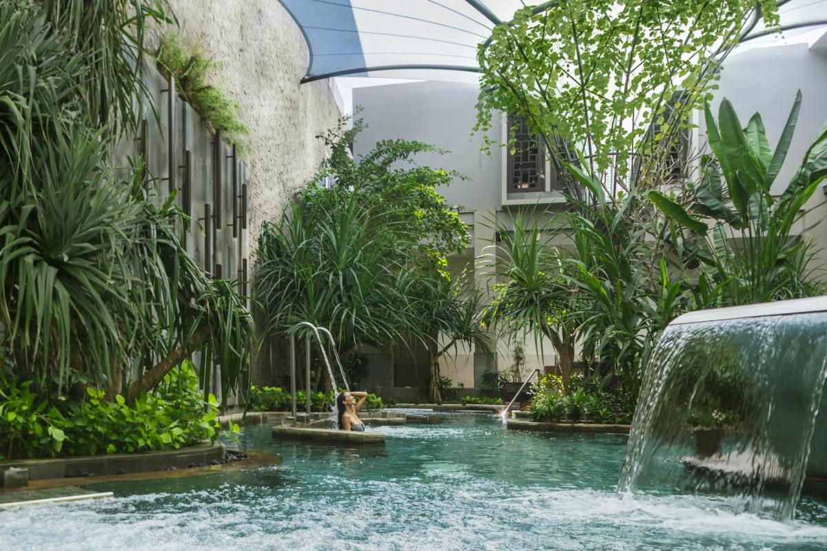 The Ritz-Carlton Bali Hydro Vital Pool